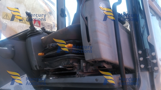 New Holland E485 Excavator- online auction- earthmoving (5)