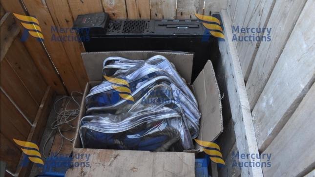 smerigliatrici, levigatrice, cassette in ferro, fili e tubi elettrici (1)