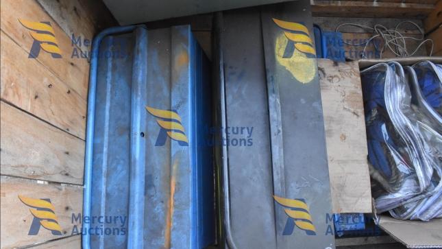smerigliatrici, levigatrice, cassette in ferro, fili e tubi elettrici (4)