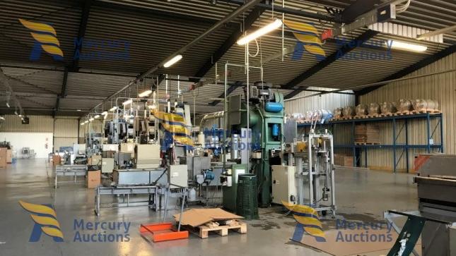 Macchinari per la produzione di vaschette per alimenti  in alluminio (1)