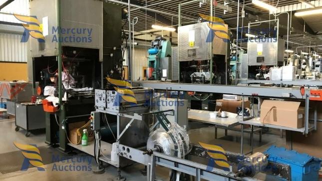Macchinari per la produzione di vaschette per alimenti  in alluminio (2)