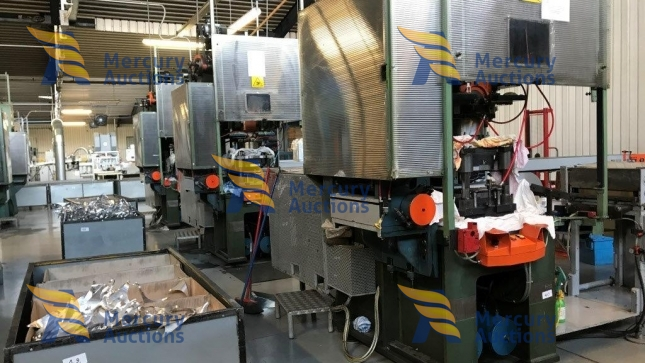 Macchinari per la produzione di vaschette per alimenti  in alluminio (3)